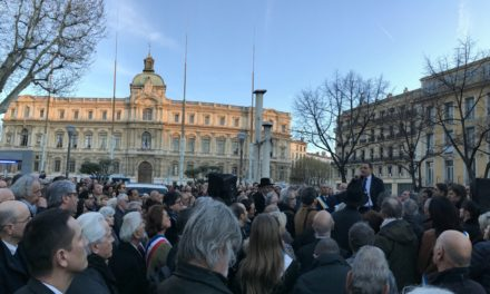 Rassemblement pour Madame Mireille Knoll à Marseille : Plus de 800 personnes se sont réunies face à la Préfecture des Bouches du Rhône ce Mercredi 28 Mars