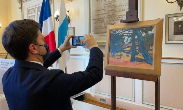 Cérémonie de restitution du tableau « Pinède à Cassis » d'André Derain à la famille Gimpel